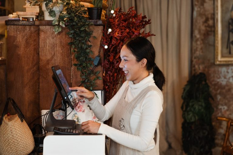 Suivez l'activité de votre restaurant avec la solution de base clients Obypay